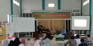 sejumlah calon pengantin, antusias mengikuti seminar yang diselenggarakan Lembaga Konsultasi Advokasi dan Pendidikan Perkawinan