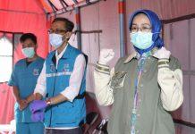 Walikota Tangerang Airin Rachmi Diany Lepas Pasien yang Sembuh dari Covid-19