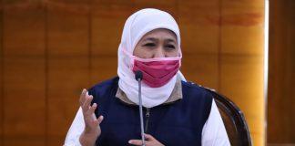 Gubernur Jawa Timur Khofifah Indar Parawansa Saat Konferensi Pers