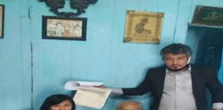 Tim Din & Partners Law Firm saat mendatangi rumah Nenek Rustini 94 tahun di Blora Jawa Tengah.