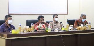 Walikota dan Wakil Walikota berdialog dengan pegawai RSUD